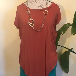 Large Marlow Rust colored T-shirt
